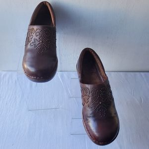 Ariat Gold Studded Brown Leather Clogs size 8